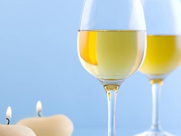 浅谈三大主流白葡萄酒——长相思、霞多丽及雷司令